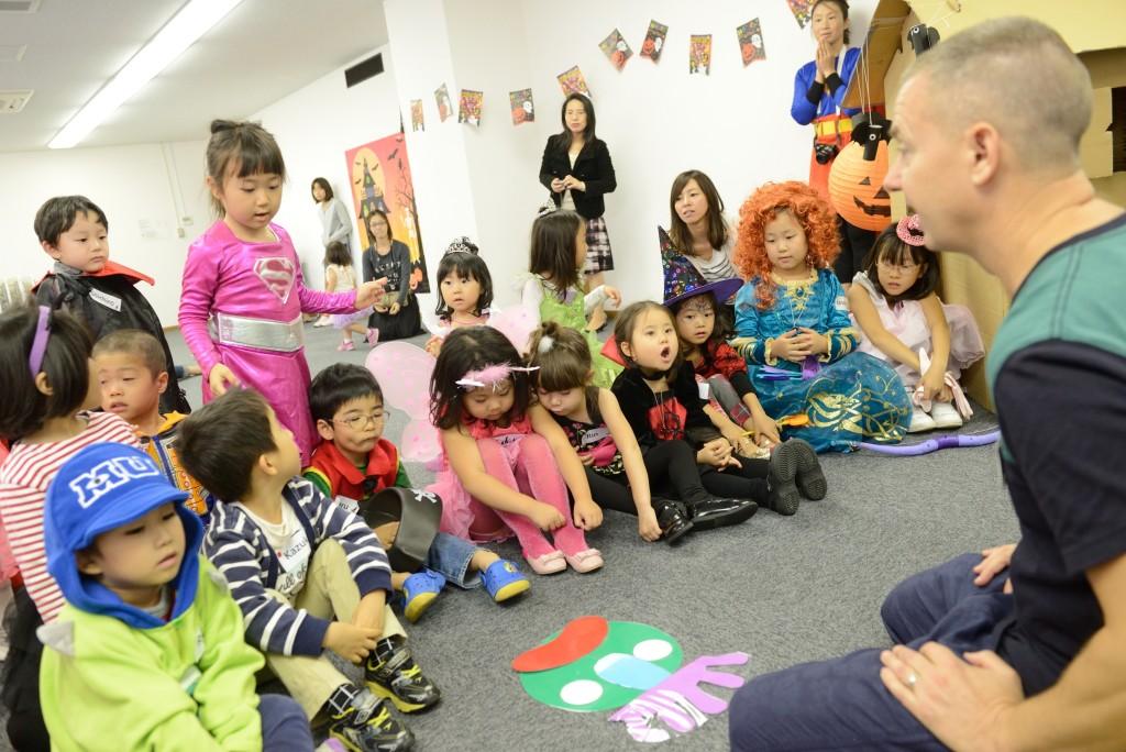 名古屋市中区子ども英語教室EnglishFactory親子で楽しむハロウィン